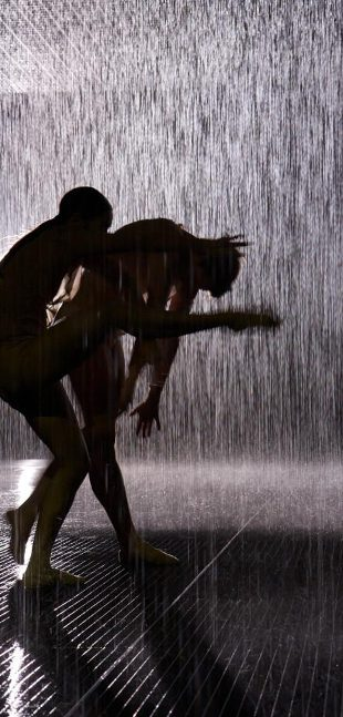 rAndom International – Rain Room